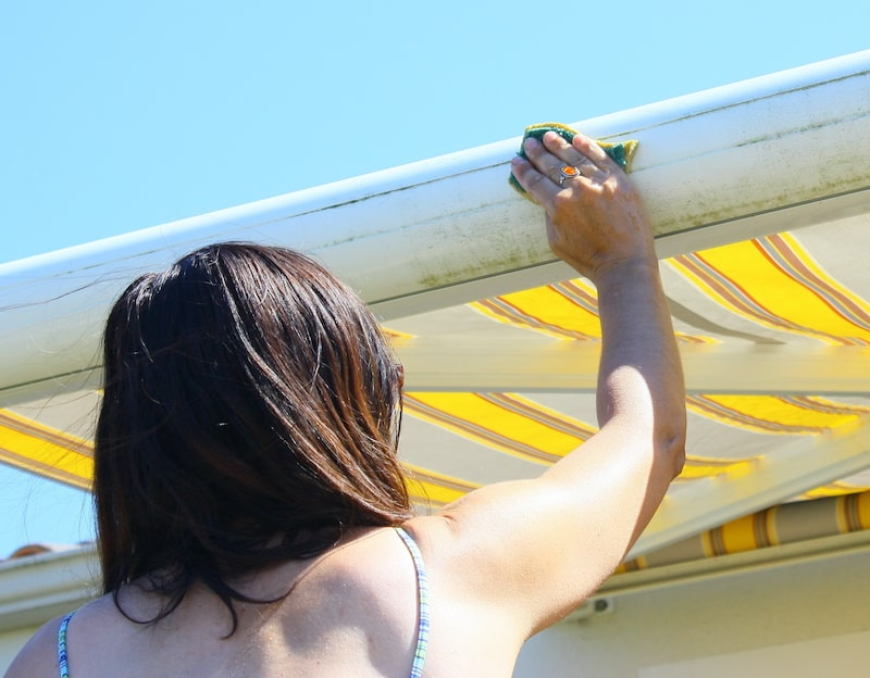 How to clean retractable awnings
