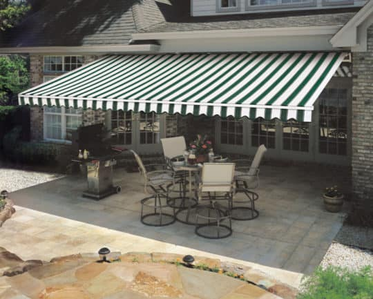 Washington Crossing retractable awnings